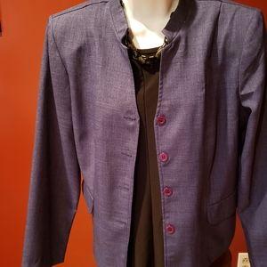 Women's suits / separates